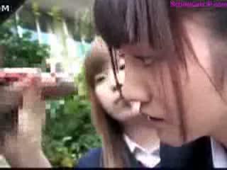 【みづなれい】無口なチ○ポをクラスでイケイケの女子がいじり倒す!